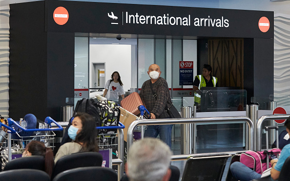 Airport「Wuhan Evacuation Flight Arrives In Auckland Following Coronavirus Outbreak」:写真・画像(9)[壁紙.com]