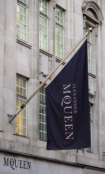 Flagship Store「Alexander McQueen London Flagship Store After The Designer Is Found Dead」:写真・画像(17)[壁紙.com]