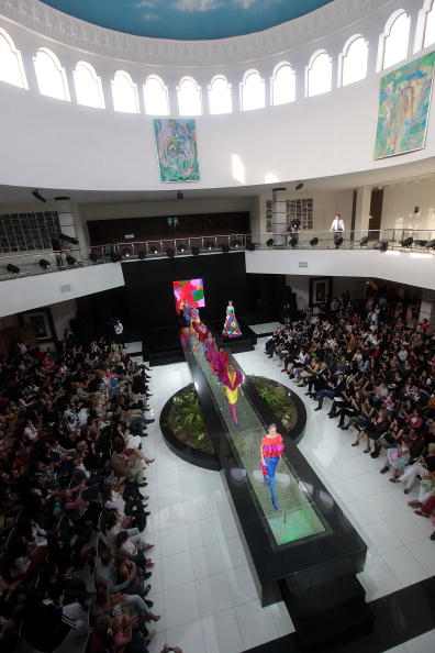 Yves Forestier「Arte Style.uz 2010 - Agatha Ruiz De La Prada And Lemoniez Fashion Shows」:写真・画像(9)[壁紙.com]