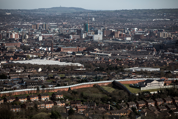General View「The Wall That Divides Belfast」:写真・画像(6)[壁紙.com]