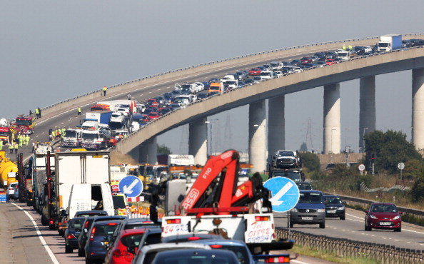 General View「Emergency Services Attend Major Road Accident In Kent」:写真・画像(7)[壁紙.com]