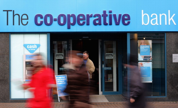 Christopher Furlong「Branches Of Co-operative Bank To Be Cut By 15 Percent」:写真・画像(0)[壁紙.com]