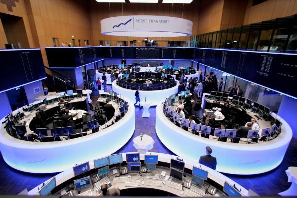屋内「Renovated Trading Floor Opens At Frankfurt Stock Exchange」:写真・画像(16)[壁紙.com]