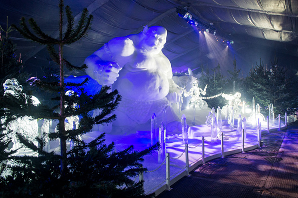 Ice Sculpture「The Magical Ice Kingdom At Hyde Park Winter Wonderland 2015」:写真・画像(1)[壁紙.com]