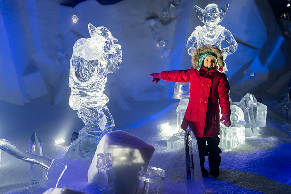 Ice Sculpture「The Magical Ice Kingdom At Hyde Park Winter Wonderland 2015」:写真・画像(9)[壁紙.com]