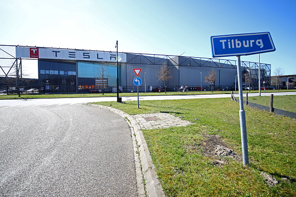 North Brabant「Tesla Assembly Plant In Tilburg Reported To Cease Production」:写真・画像(17)[壁紙.com]