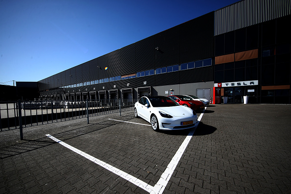 North Brabant「Tesla Assembly Plant In Tilburg Reported To Cease Production」:写真・画像(19)[壁紙.com]