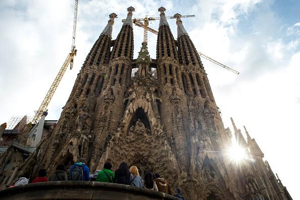 サグラダ・ファミリア「Barcelona Takes Strict Measures Over Increasing Numbers Of Toursists」:写真・画像(11)[壁紙.com]
