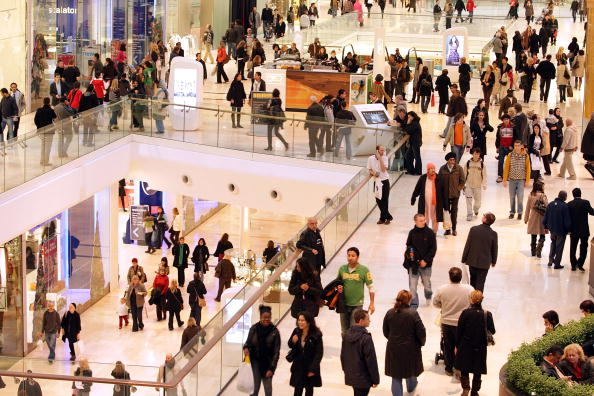 Shopping Mall「Shoppers Visit Newly Opened Westfield Shopping Centre in London」:写真・画像(11)[壁紙.com]