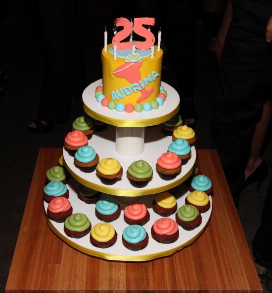 Dessert「Audrina Patridge's Birthday Party At Las Palmas Latin Supper Club」:写真・画像(13)[壁紙.com]