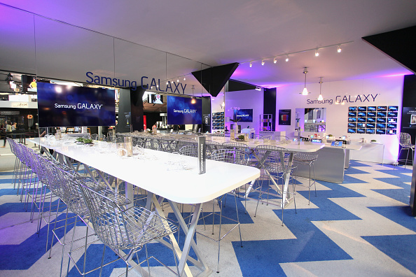 General View「The Samsung Galaxy Lounge At Mercedes-Benz Fashion Week Spring 2014 Collections - Day 2」:写真・画像(11)[壁紙.com]