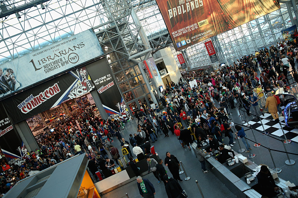 Comic con「Turner Broadcasting General Signage And Atmosphere At New York Comic Con 2015」:写真・画像(14)[壁紙.com]