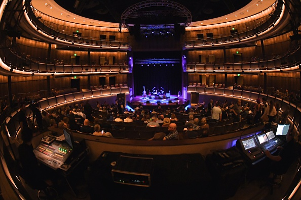 Jason Phillips「The Country Music Hall of Fame and Museum presents 'Boppin' the Blues: A Celebration of Sam Phillips'」:写真・画像(14)[壁紙.com]