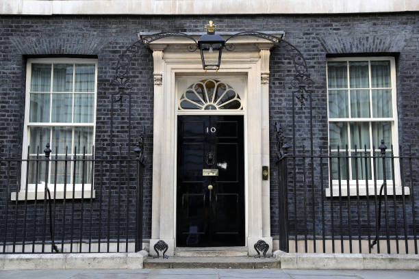 Final Preparations In Downing Street Ahead Of The Prime Minister's Arrival:ニュース(壁紙.com)