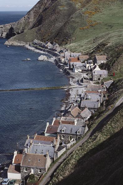 In A Row「Coastal Village」:写真・画像(13)[壁紙.com]