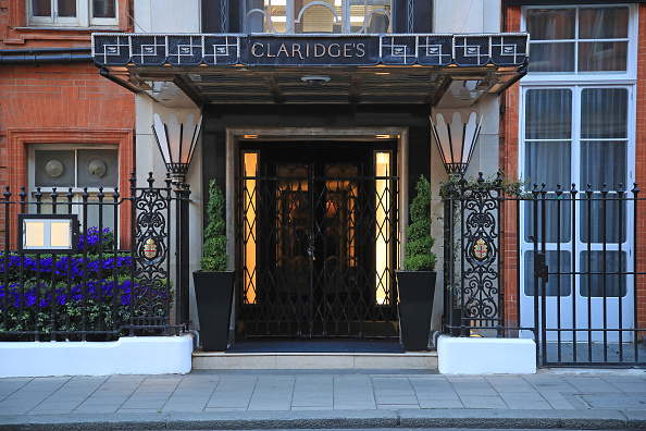 Claridge's「UK In Fifth Week Of Coronavirus Lockdown」:写真・画像(10)[壁紙.com]