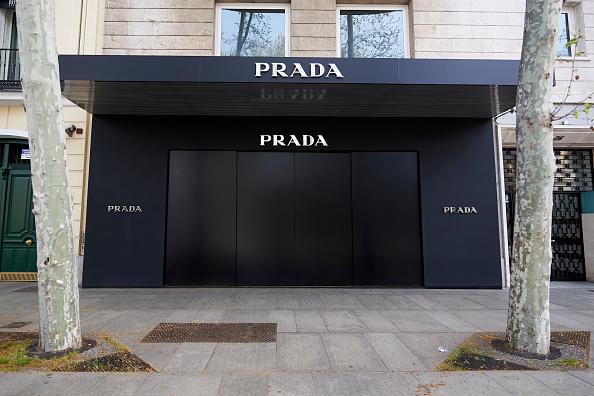 Prada「Luxury Stores Shut Down Due To Covid-19 Crisis」:写真・画像(17)[壁紙.com]