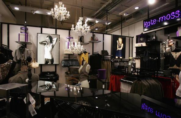 Oxford Street - London「Top Shop Launches Kate Moss Clothes Range」:写真・画像(19)[壁紙.com]