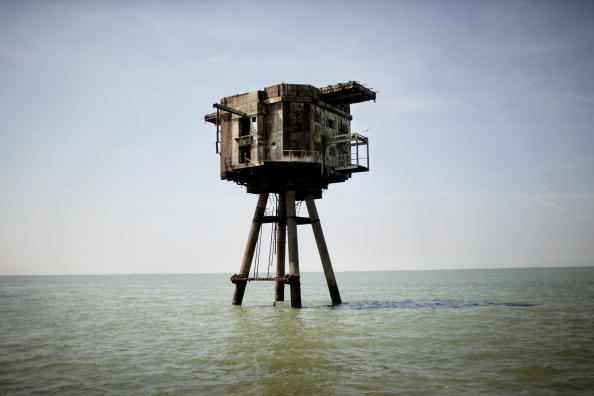 Magnet「Historic Redsands Fort Stand In Thames Estuary」:写真・画像(0)[壁紙.com]