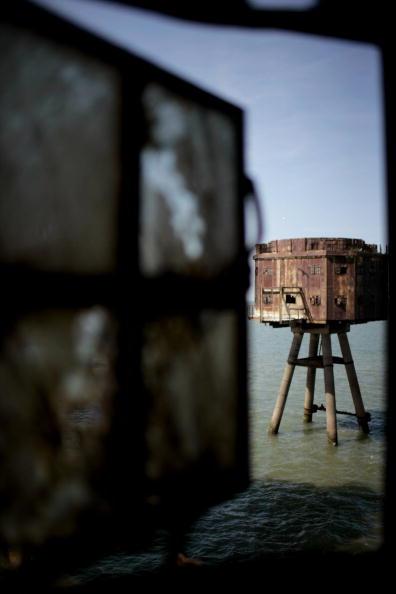 Magnet「Historic Redsands Fort Stand In Thames Estuary」:写真・画像(9)[壁紙.com]