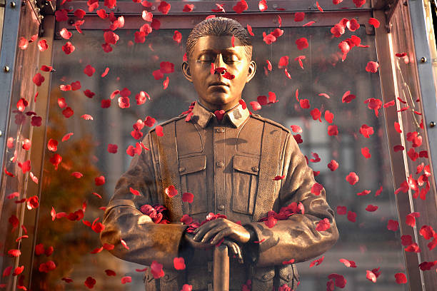 The Every Man Remembered Statue Is Displayed In George Square:ニュース(壁紙.com)
