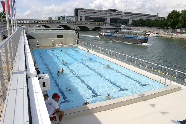 Swimming Pool「The Piscine Josephine Baker Opens On The Seine」:写真・画像(14)[壁紙.com]