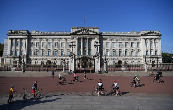 Buckingham Palace「UK In Fifth Week Of Coronavirus Lockdown」:写真・画像(16)[壁紙.com]