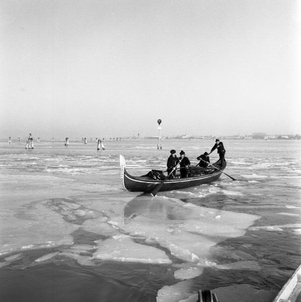 Passenger Craft「Cold Wave Hits Venice」:写真・画像(8)[壁紙.com]