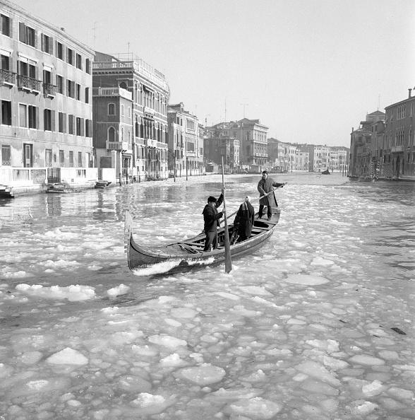 Passenger Craft「Cold Wave Hits Venice」:写真・画像(19)[壁紙.com]