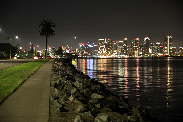 San Diego「California Sets Curfew After A New Surge In COVID-19 Cases」:写真・画像(9)[壁紙.com]