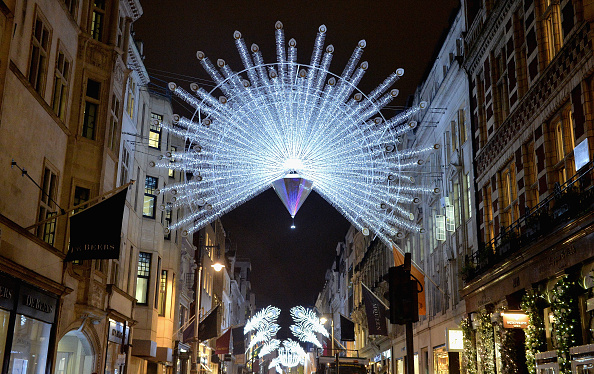 Awe「Bond Street Launches Heritage-Inspired Illuminations」:写真・画像(12)[壁紙.com]