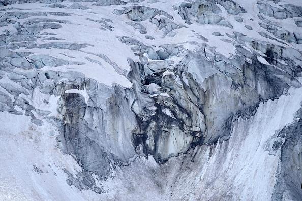 Lifestyles「The Forni Glacier In The Italian Alps」:写真・画像(11)[壁紙.com]