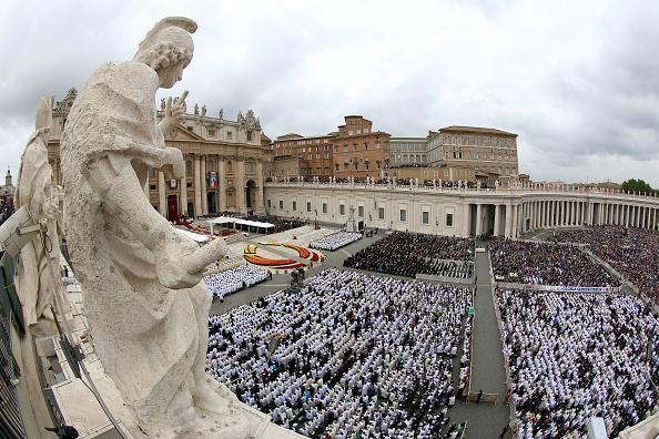 Religious Saint「Pope John Paul II And Pope John XXIII Are Declared Saints During A Vatican Mass」:写真・画像(14)[壁紙.com]