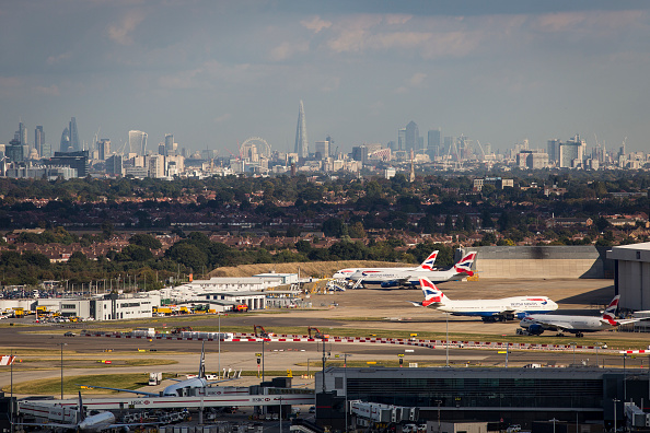 Urban Skyline「All Parliamentary Group Discuss Options For Airport Expansion」:写真・画像(5)[壁紙.com]