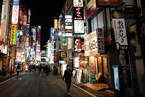 Shinjuku Ward「Tokyo Nightlife and Retail Brace For State Of Emergency」:写真・画像(10)[壁紙.com]