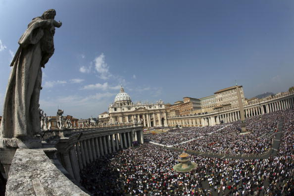 Franco Origlia「Pope Benedict XVI Celebrates Easter - Easter Sunday」:写真・画像(12)[壁紙.com]