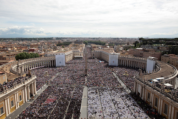 Crowd「John Paul II Beatification Mass And Ceremony」:写真・画像(10)[壁紙.com]