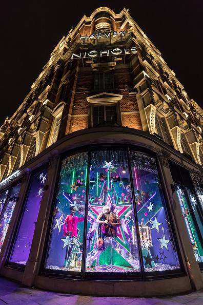 General View「Harvey Nichols 2017 Christmas Windows」:写真・画像(3)[壁紙.com]