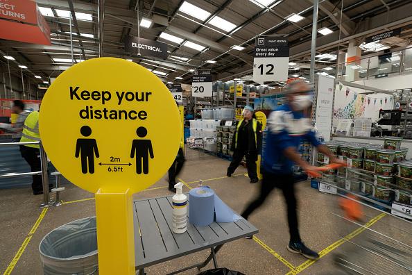 Social Issues「UK Eases Some Restrictions In Eighth Week Of Coronavirus Lockdown」:写真・画像(14)[壁紙.com]