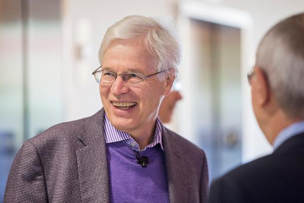 Scott Eisen「MIT Professor Bengt Holmstrom And Harvard Professor Oliver Hart Share Nobel Prize In Economics」:写真・画像(12)[壁紙.com]