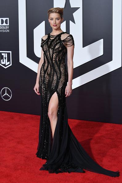 Amber Heard「Premiere Of Warner Bros. Pictures' 'Justice League' - Arrivals」:写真・画像(11)[壁紙.com]