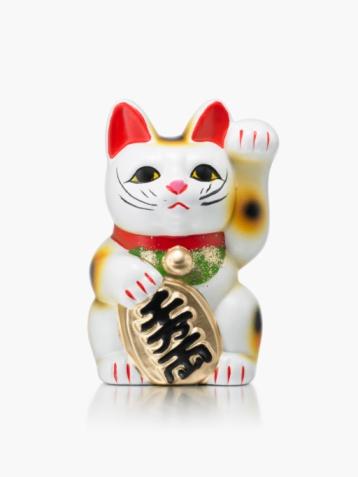 Maneki Neko「A Maneki Neko Doll on a White Background」:スマホ壁紙(10)
