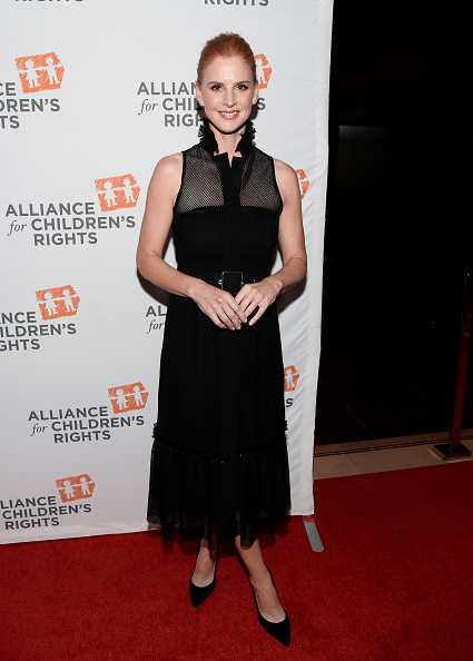 Emma McIntyre「The Alliance For Children's Rights 26th Annual Dinner - Red Carpet」:写真・画像(4)[壁紙.com]