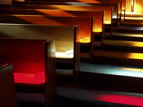 Praying「Church Benches at Sunset」:スマホ壁紙(15)