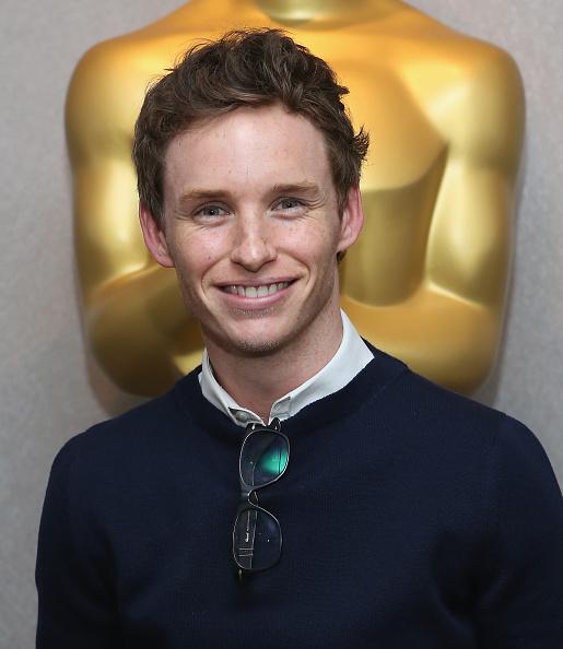 カメラ目線「The Academy Of Motion Picture Arts And Sciences Hosts An Official Academy Members Screening Of 'The Theory Of Everything'」:写真・画像(7)[壁紙.com]