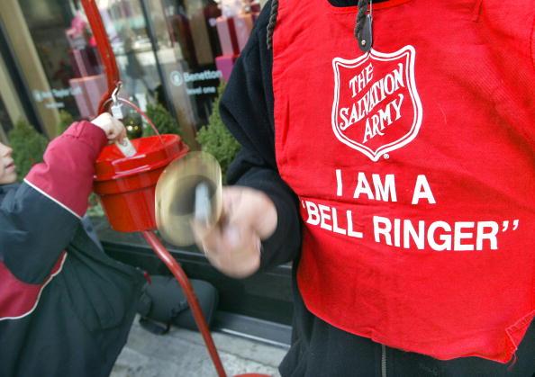 Bell「Salvation Army Kicks-Off Holiday Bell Ringing Season」:写真・画像(3)[壁紙.com]