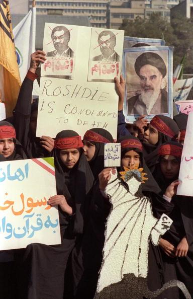 Middle East「Satanic Verses Protest」:写真・画像(13)[壁紙.com]