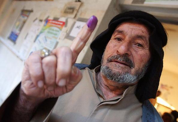 Sadr City「Iraqis Go To The Polls For Parliamentary Elections」:写真・画像(19)[壁紙.com]