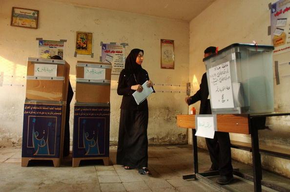 Sadr City「Iraqis Go To The Polls For Parliamentary Elections」:写真・画像(18)[壁紙.com]