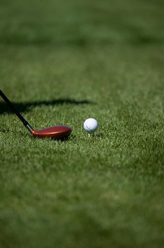 Putting - Golf「Club and ball on golf field, ground view」:スマホ壁紙(2)